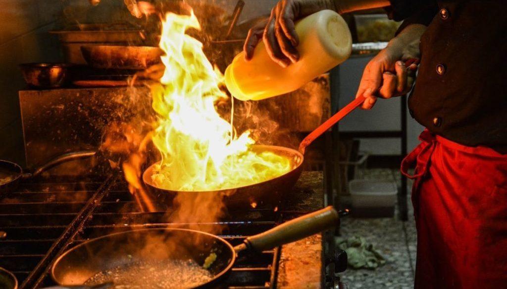 Küchenchef_1280_Bild von zoli gy auf Pixabay