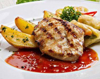 chicken-2509164_1280_Bild von Adelia Rosalinda auf Pixabay