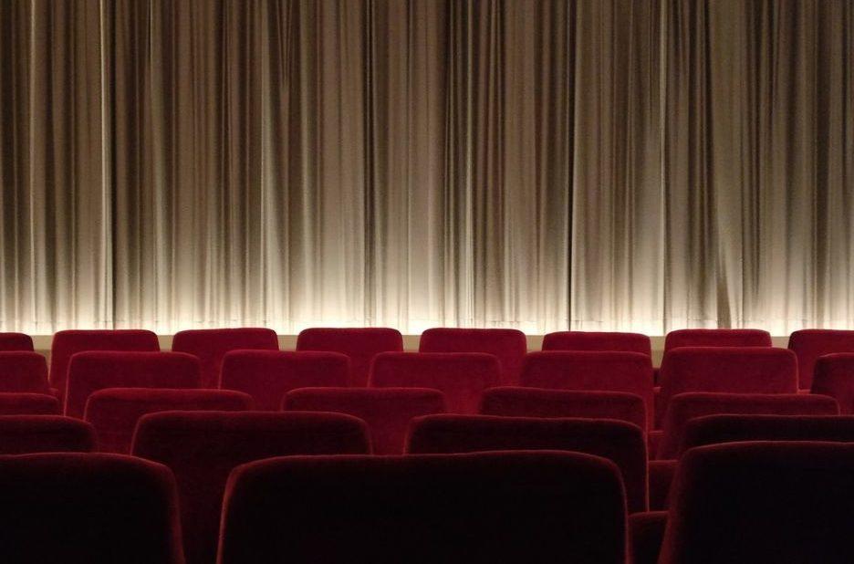 cinema-2093264_1280_Bild von Sabine Lange auf Pixabay