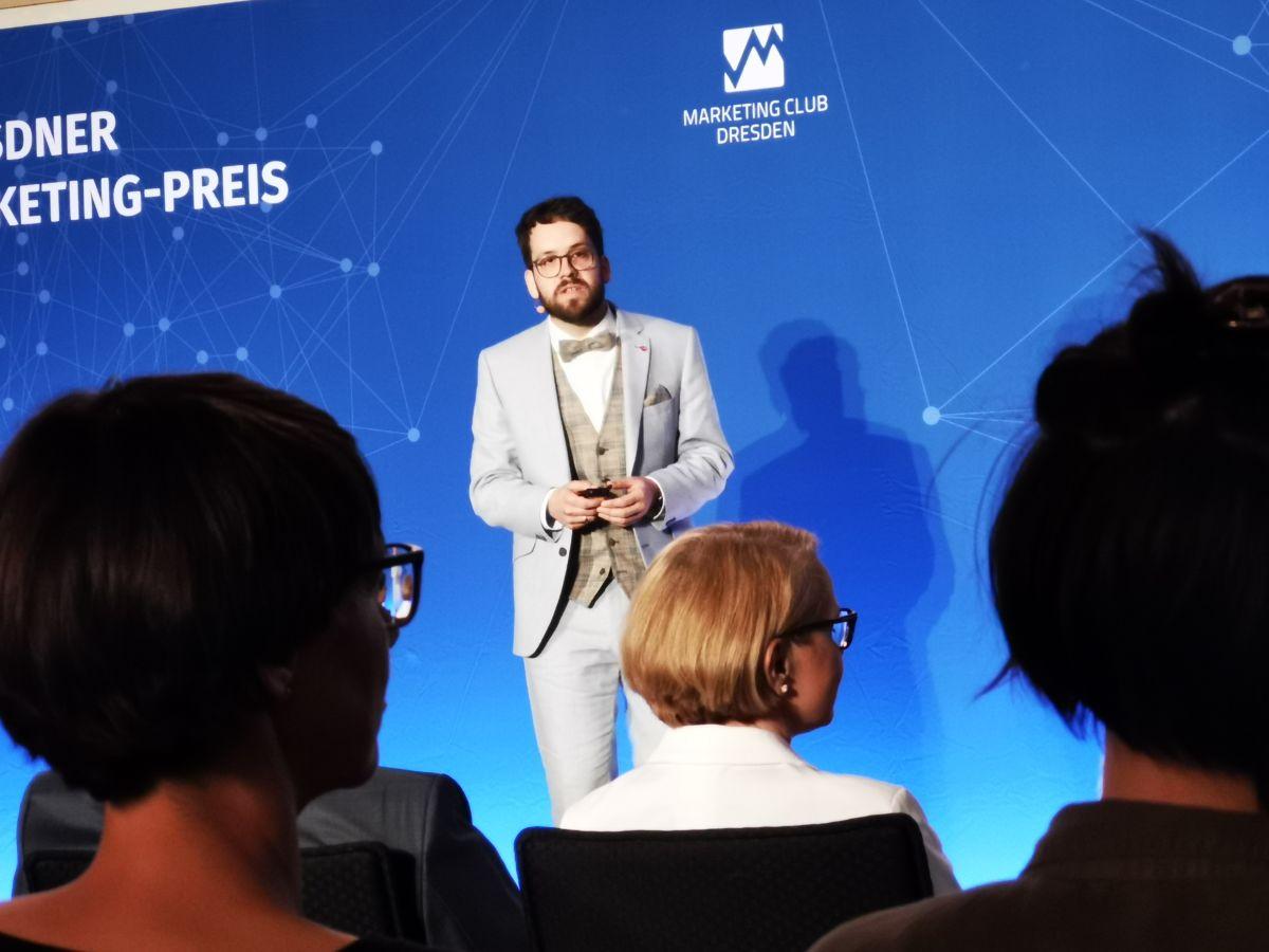 Robert Böhme präsentiert Pirnas Einkaufskampagne beim Dresdner Marketing-Preis 2020_Foto Marleen Heimert